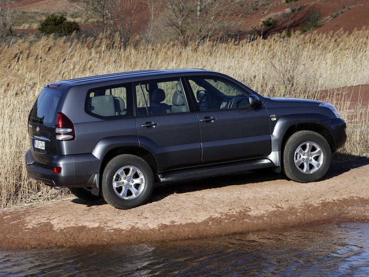 7f540ba39754 По данным расхода бензина 1 комплектации Лэнда Крузера Прадо 120 Серия  Рестайлинг расчитаем расход газа. Внедорожник пять дверей Toyota Land  Cruiser Prado ...